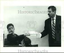 1993 Press Photo Joe Louis Gonzales, family died in house fire, in court, Texas