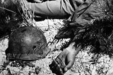 "A Tearful Scene. during Korean War in Korea. 8""X10"" GLOSSY PHOTO IMAGE k6"