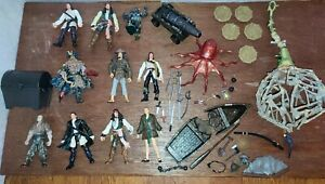 Pirates Of The Caribbean figure toy playset bundle cannibal cage coin cannon Tai