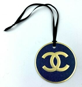 CHANEL charm round logo gold blue NEW LE 2020 VIP GIFT
