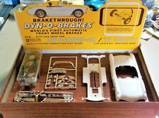 MPC 1/24 1/25 DYN O CHARGER 1957 CORVETTE SLOT CAR KIT W/CHASSIS BOX INS COX AMT