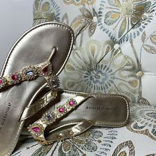 Athena Alexander Gold Leather Jeweled Open Toe Thong Sandals Size 9 Unique LUXE