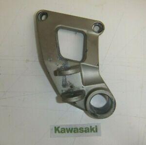 KAWASAKI ZZR600 ZZR 600 E PASSENGER LEFT HAND FOOT PEG HANGER PILLION 1993 - 06