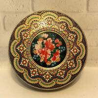 Vintage Daher Long Island NY Embossed Floral Round Tin w/ Lid Holland