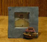 "Boyds Mini Frame #4002 THE ARK, NIB From our Retail Store, holds 1 3/8"" pic"