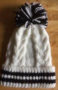 Steve Madden Beanie Bobble Hat / Pom Pom / Cable Knit - White / Black - BNWT