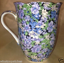 TWO'S COMPANY TWC3 MOLLIE MUG 12 OZ PURPLE & WHITE CHINTZ ON BLACK