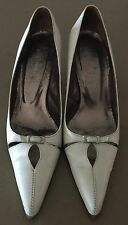 50's Inspired GARY CASTLES Ivory Leather Pointy Toe Kitten Heels Size 35.5