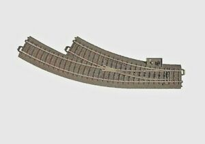 MARKLIN HO SCALE 24672 C-TRACK MANUAL RIGHT HAND CURVE TURNOUT