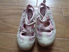 CIRCO girl's GUC sz 11 pink/cream shoes w/easy fastener straps