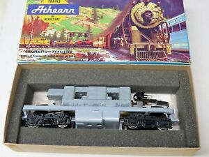 """Athearn F-7A chassis for """"Blue Box"""" loco.  Plastic trucks but no truck details."""
