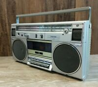 Toshiba RT 120-S Ghetto blaster Radio Boombox *PARTS/MISSING KNOBS*