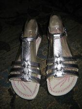 "Hush Puppies, ""Chianti"", Platnium Leather Sandal. 7.5 NWOB"