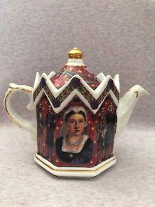 James Sadler KINGS & QUEENS 2 Cup Minister Teapot Victoria 1