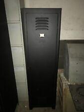 Mobilier industriel / vestiaire , casier  / street ART ( tolix , ronéo )