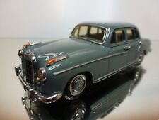 CCC MERCEDES 220 S 1956 - GREY 1:43 - GOOD CONDITION - 1+2