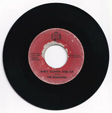 Philippines THE SEARCHERS Ain't Gonna Kiss Ya 45 rpm Record