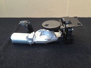 B BMW E61 535XI 530XI WAGON REAR HATCH WINDOW GLASS WIPER MOTOR ACTUATOR OEM
