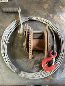 Lifting Winch With Lifting Wire / Cable Plus Hook trailer 4x4 towing Offroad ?