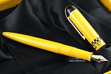 Eversharp Skyline Yellow Taxi Cab Fountain Pen M - 14k Gold Nib