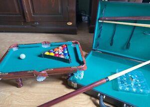 Mini Pool Billardtisch Spiel inkl. Koffer und Zubehör