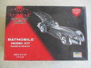 VTG 1997 REVELL MONOGRAM BATMAN & ROBIN BATMOBILE MODEL 1:25 SCALE IN BOX