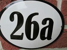 Hausnummer Oval Emaille schwarze Zahl Nr. 26a  weißer Hintergrund 19 cm x 15 cm
