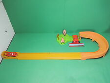 Cars Disney-Pixar Track set Tipping Tip-The-Tractors avec flash McQueen & Franck