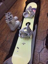 Tavola da Snowboard Ride completa di attacchi, scarponi e sacca da trasporto