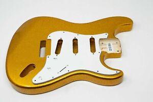 Allen Eden® Standard Series Paulownia Strat Body HSH Guitar Gold Sparkle Flake