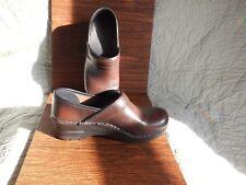 Sanita closed heel clogs size 37 = 6.5 -7 u.s.a