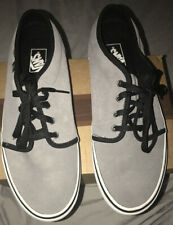 Vans Suede Shoes Men's Size 11.5 NEW without box