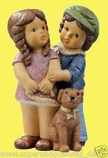Goebel Nina & Marco Figur Porzellanfigur - Spaziergang mit Bello  - NEU 11739505