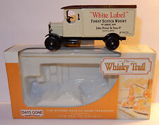 Days Gone Lledo Van Morris alcool White Label Finest Scotch Whisky Box