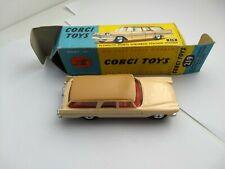 CORGI 219 PLYMOUTH SPORTS SUBURBAN, NEAR PERFECT MODEL IN NEAR PERFECT BOX.