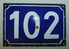 ANCIENNE PLAQUE EMAILLEE BOMBEE N° DE RUE 102 . 22x15 cm ENAMELLED STREET NUMBER