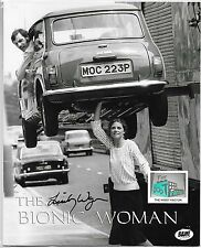 "BIONIC WOMAN B&W 8"" x 10"" Print - Signed Lindsay Wagner - The BAM! Box - 03/17 -"