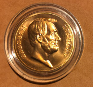 Abraham Lincoln Inaugurated UNCIRCULATED Copper Token Medal in A Capsule