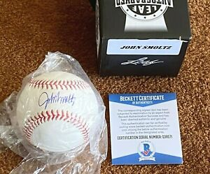 JOHN SMOLTZ AUTOGRAPHED BASEBALL Braves Hall of fame ! 🔥COA Beckett & Leaf !!