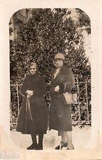 BD775 Carte Photo card RPPC Femme sac a main chapeau mode fashion vers 1920