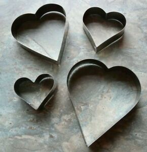 4 x HEART SHAPED METAL COOKIE / BISCUIT CUTTERS
