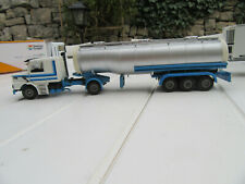 camion SCANIA TECKNO +CITERNE 1/50 Très bel état sans boite