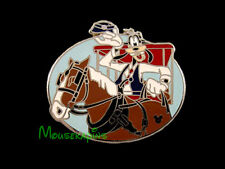 GOOFY Main Street USA HORSE DRAWN TROLLEY Disney 2005 Pin