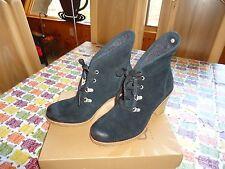 UGG Australia Calynda Black Lace Up Boots 10 NIB