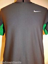 NIKE Dri Fit Womens T-shirt Athletic Short Sleeved Sportswear Shirt L