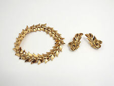 Vintage Trifari Gold Tone Leaves Bracelet & Clip On Earrings Set