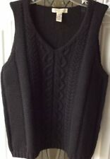 Black pure new wool knitted vest.