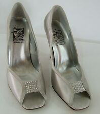 NEW Special Occasions by Saugus Shoe PAOLA 5350 Silver Satin Size: 8.5 W