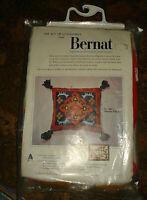 BERNAT QUICK POINT VTG Manchu 17X15 NEEDLEPOINT PILLOW KIT NO. 1967