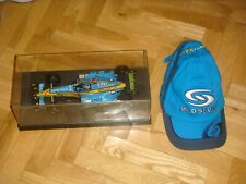 "1:18 - RENAULT R25 ""WORLD CHAMPION 2005"" FERNADO ALONSO - HOT WHEELS + GORRA-(4)"